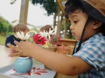 Bays Montessori Flower-Arranging